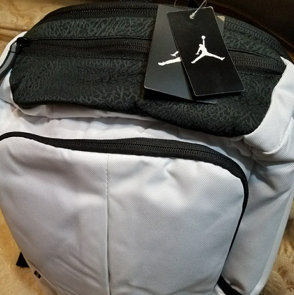 47f7ae54e089 Jordan Space Jam 11 back pack NWT
